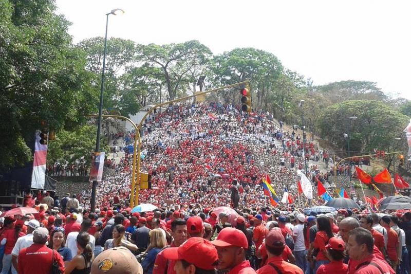 May Day march in support of Maduro in El Calvario Caracas (Credit: Ricardo Vaz/Investig'Action ENG)